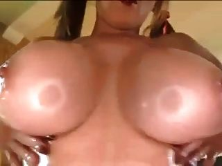 بابا الجبهة الصدر كبيرة تحصل مارس الجنس titty