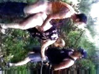 عطلة في كرواتيا زوجة ضجيجا في الغابة