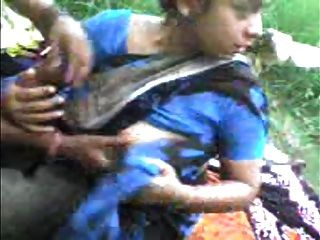 بلدي bhabhi العزيز في حديقة