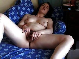 صديق السمين الدهون استمناء بوسها شعر على الأريكة