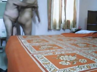 ناضجة الهندي صنع زوجين الحب في غرفة النوم