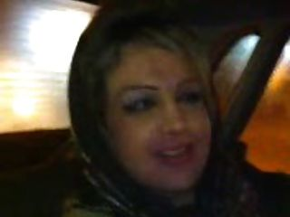 الحجاب فتاة ضربات في السيارة