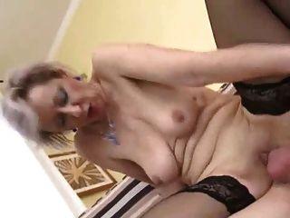 ممارسة الجنس مع جبهة مورو في الملابس الداخلية الجميلة