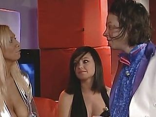 تلفزيون هولندي تظهر مسابقة الإباحية