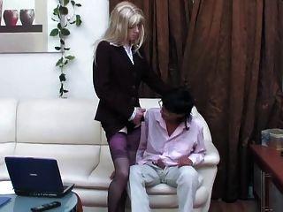 سيسي كروسدرسر] تحصل مارس الجنس بدون سرج