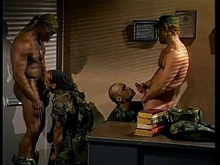 رجال الجيش ساخن خاص
