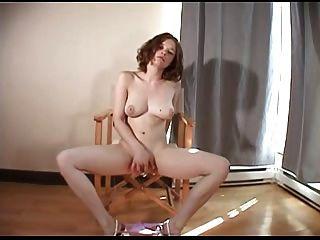 كريستين الشباب لها أول مرة (فيديو 1st) من