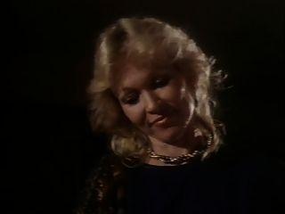 بين العشاق (1983) جزء 1 من 2