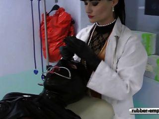 العبد المطاط على كرسي gynolocical.