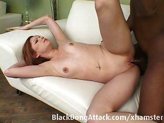 تحصل مارس الجنس في سن المراهقة من قبل صياح الديك الأسود الكبير
