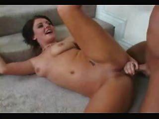 الشرج امرأة سمراء الساخنة والوجه