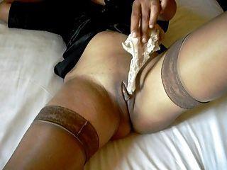 جنسي الساقين في جوارب والكعب