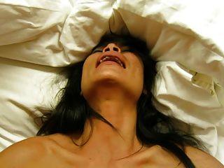 يمارس الجنس مع لعبة: CUMING على بلدي اللحوم عاهرة التايلاندية