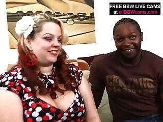 يجد الرجل الأسود مذهلة الحمار BBW الدهون والملاعين جزء 1