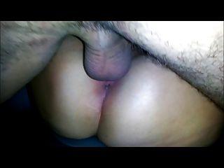 زوجتي ممارسة الجنس مع صديق في المقعد الخلفي