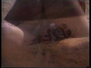 بيتر ينكح شمال شقراء الساخنة على الشاطئ