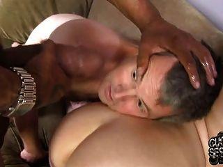 زوجة بيضاء مارس الجنس وcreampied بواسطة بي بي سي أمام الديوث