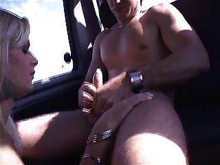 اديبوي التايلانديين schiavinato يأخذ من الصعب الديك في الحمار