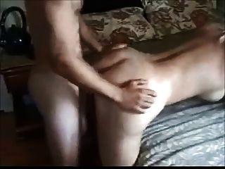 الثدي زوجة كبيرة استغل من قبل الصبي الأصغر