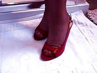 ناضجة نموذج صنم القدم مع أقدام رهيبة
