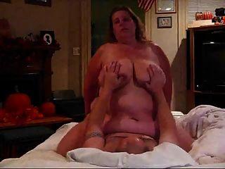 كبير الثدي BBW ركوب الديك