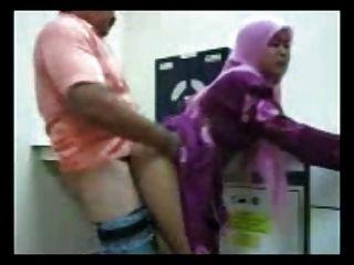 الأندونيسية وقحة الحمار كبير الحصول مارس الجنس في عرب