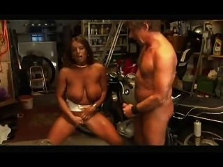 البولندية فتاة تحصل مارس الجنس من الصعب من قبل الرجل الروسية والرجل الألمانية