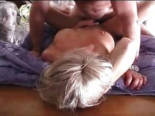 ممارسة الجنس مع زوجتي في المنزل