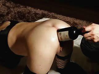 تحب النبيذ الجيد..داخل بلدها الأحمق الكبير