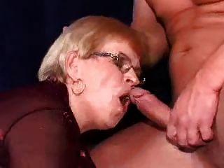 أمي وصبي 152