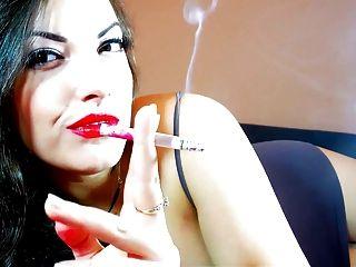 التدخين صنم alexxxya