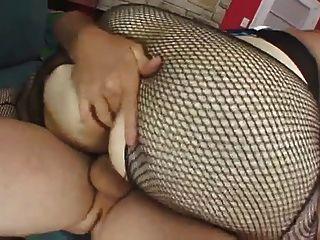 BBW شقراء مارس الجنس على أريكة