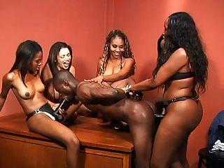 أسود الكلبات قضيب جلدي انتقام 2 (تابع)