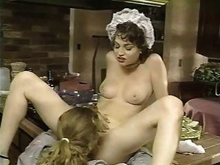 خادمة الفرنسية حفر في المطبخ