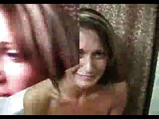 الاباحية زلة: الرجل cums في على شعرها وانها تقلب بها