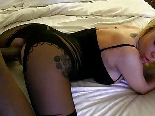 CREAMPIE الأعراق مع Bodystocking جنسي
