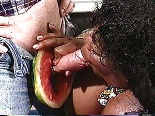 برجي البطيخ 2 من 3