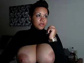 كاميرا ضخمة الأبنوس الثدي