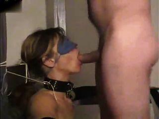 قيدوا، معصوب العينين ومارس الجنس في الفم