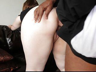 BBW جميلة يحصل كبيرة ديك أسود في الحمار وجمل