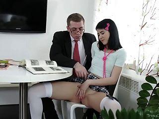 لعبت صعبة جودي المعلم القديم مع بوسها