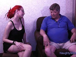 ويزرع izrah مؤشر على ليل ايزي كل شيء ويحب أن يمارس الجنس.