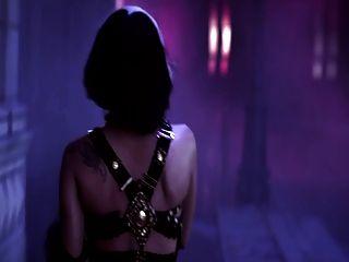 ليدي غاغا على حافة المجد (بطل الفيديو الاباحية الموسيقى)