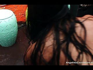 أنجلينا كاسترو ويغيب راكيل كس اللعب في المطر!