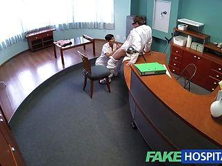 يستخدم fakehospital الاباحية نجمة مفلس مهاراتها الجنسية مذهلة