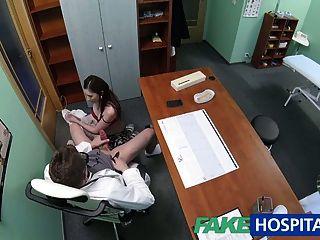 يعود المريض fakehospital للجزء الثاني من الأطباء