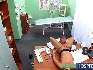 fakehospital مثير الأطباء المشبوهة الزوجة الجنس الساخن