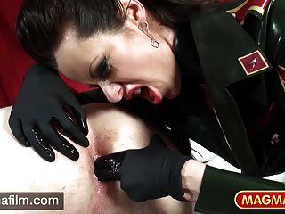 الصهارة فيلم dominatrix غريب الثلاثي