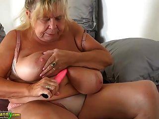 oldnanny اثنين من الجدات الدهون وعلى الثدي كبيرة