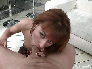 أنا مارس الجنس في الحمار أحمر الشعر إزميرالدا